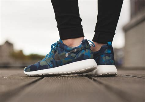 Harga Nike Zoom Run The One nike roshe run one print bleu