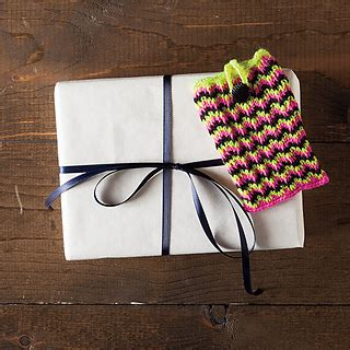 knit picks pattern holder ravelry chevron gift card holder pattern by emily ringelman