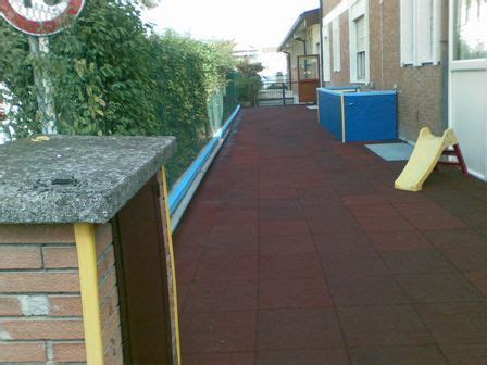 pavimenti antitrauma prezzi pavimenti antitrauma acquamarina da oltre 40 anni al