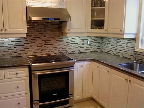 kitchen backsplash tiling granite countertops glass tile