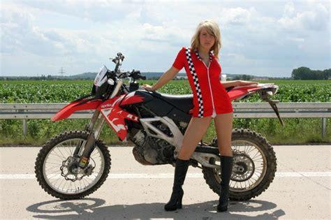 Aprilia Sxv 550 Motorrad Daten by Zwei M 228 Dels Mit Der Aprilia Rxv 550 Motorrad Fotos