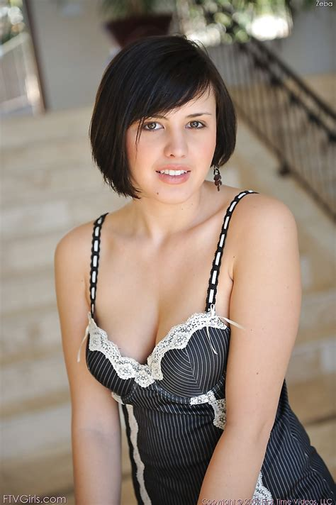 short hair busty spanish pics pin by adrian pahlevi on brooke lee adams rebekah farris