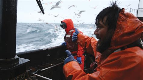deadliest catch 2014 discovery inks first deal with hulu which lands