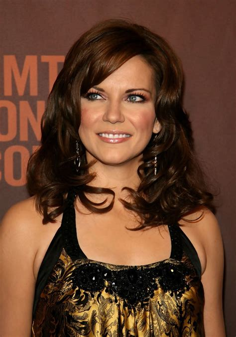 cmt hairstyles martina mcbride in cmt giants honoring reba mcentire