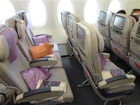 emirates airlines economy class 7 reasons why you should fly emirates the solo traveller