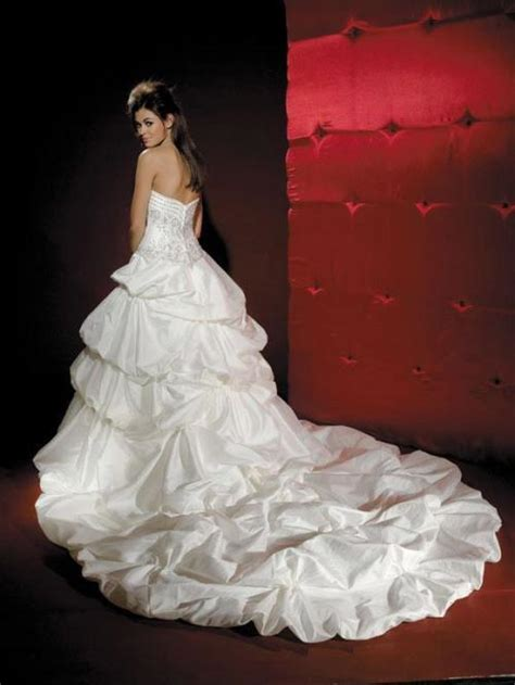 Wedding Attire Based On Time Of Day by Lovely Prom Dresses Custom Wedding Dresses Wedding Day