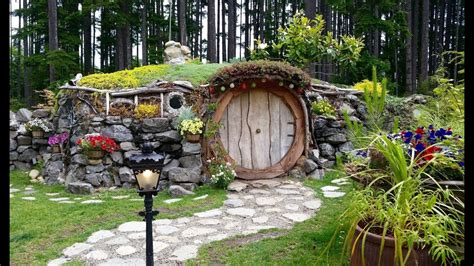 cute lord of the rings hobbit houses in new zealand real life hobbit house lord of the rings june 18 2017