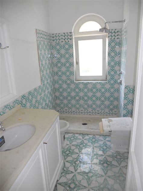 piastrelle bagno vietri scegli le piastrelle di vietri in cucina bagni con