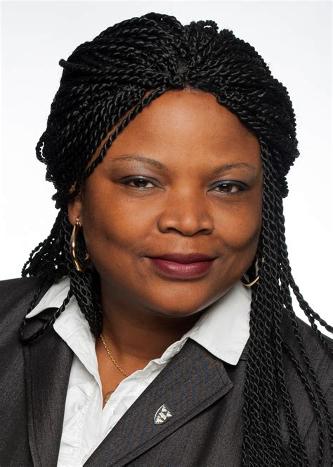 Mba 2018 Ottawa by Candidates In Focus Uche Isiuwe Executive Mba Telfer