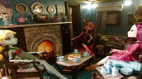 monster high doll house tours lagoona blue living room monster high doll house tour 6 of 40 lagoona bed has 13