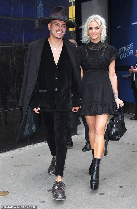 ashlee simpson ross i do ashlee simpson and husband evan ross hold hands after