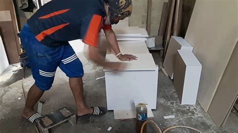 cara membuat lemari kitchen set sendiri cara membuat kitchen set sendiri teknik perekatan hpl