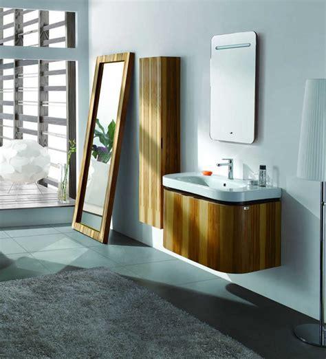 mobili bagno legno chiaro idee bagno moderno con inserti in legno e pietra