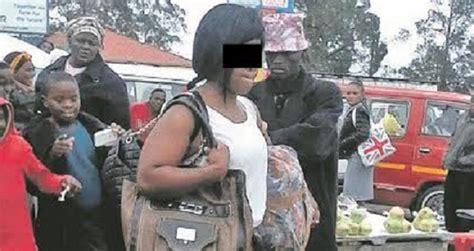 bagarre deux filles black se mettent des grosses peches afrique du sud une femme 224 moiti 233 nue provoque un toll 233