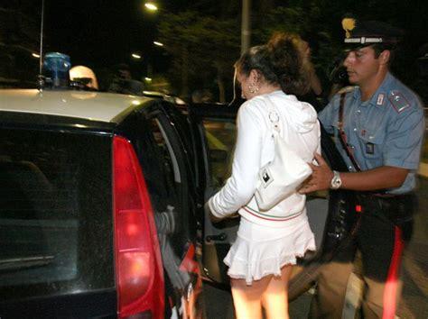 sportello immigrati brescia permesso di soggiorno chiede rinnovo permesso di soggiorno arrestata