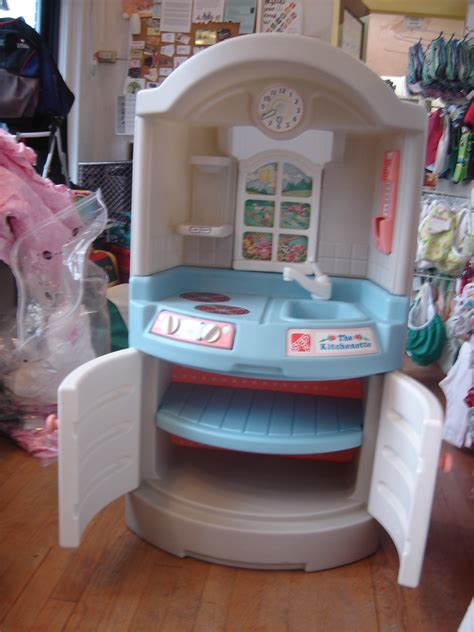 Step 2 Play Sink by Step 2 The Kitchenette Pretend Play Compact Kitchen Sink