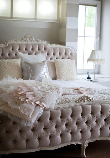boudoir bedroom designs d 233 cor diva the secret to a decadent boudoir bedroom the design tabloid