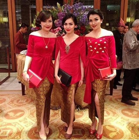 Bor Makita Warna Merah kebaya polos warna merah rok batik modern mood board for baju kurung bridesmaid