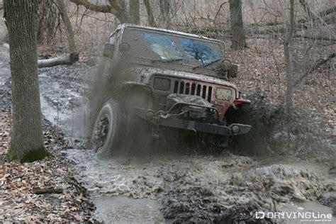 white jeep stuck in mud 100 white jeep stuck in mud 2015 jeep renegade