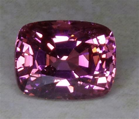 Spinel Burma all that glitters gemstone photographs spinel