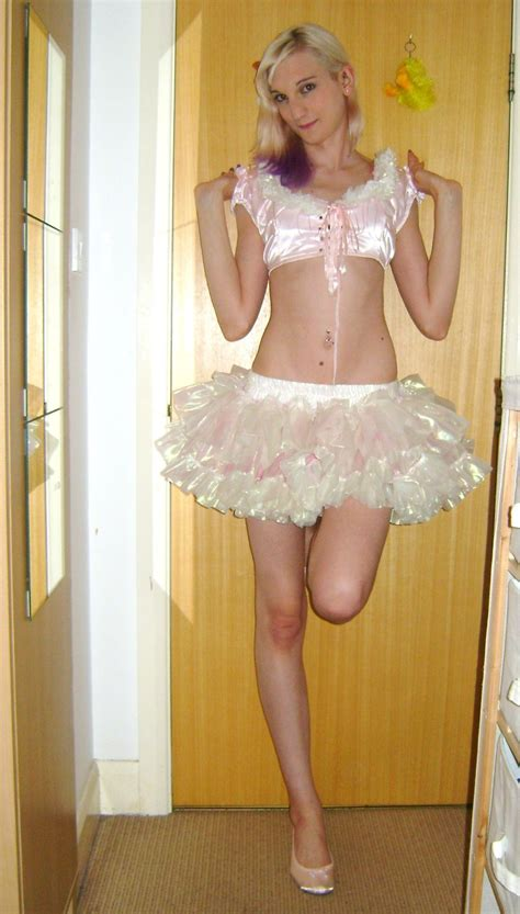 sissy petticoated husbands i like forced feminization yettocomeout trappyfeet2 lexitrap sissy xxvery sweet and cute