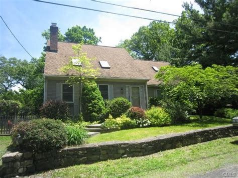 Fairfield Ct Property Records 8 High Trail Rd New Fairfield Ct 06812 Property Records Search Realtor 174