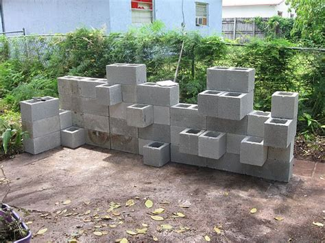 Pin By Amy Bailey On I Ve Got To Make That Pinterest Cinder Block Planter Wall