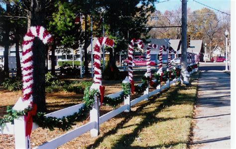 images of christmas garland on a fences city beautiful decorates for bartlett tn official website