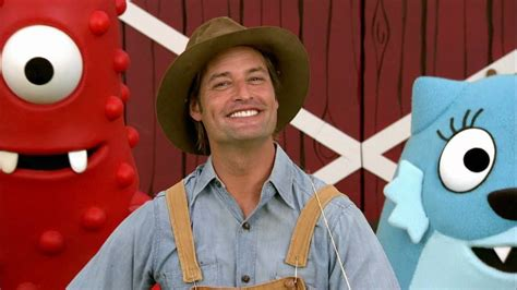 josh holloway yo gabba gabba josh holloway as quot farmer josh quot on yo gabba gabba