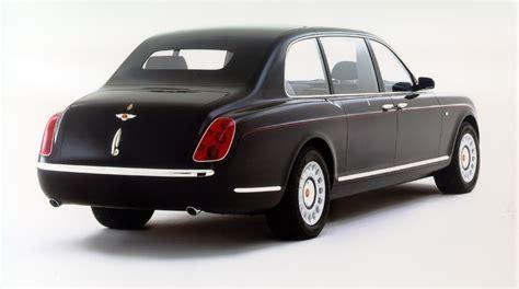 bentley minivan bentley van de britse koningin rijdt op biobrandstof