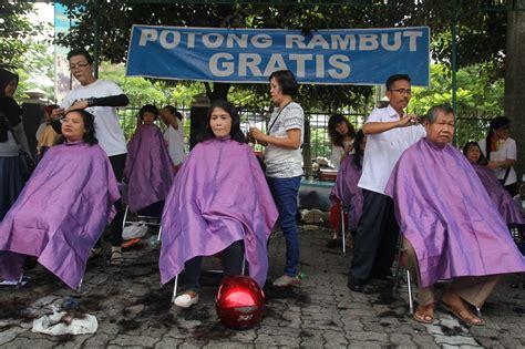 Rambut Sambung Pasar Baru pijat dan potong rambut gratis ramaikan pasar murah natal pemerintah provinsi jawa tengah