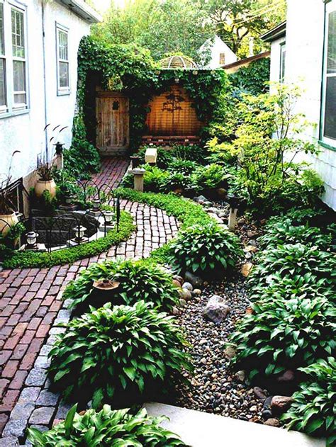 Cheap And Easy Garden Ideas Fabulous Simple Landscaping Ideas Cheap No Grass Garden And Patio Narrow Side Yard House Design