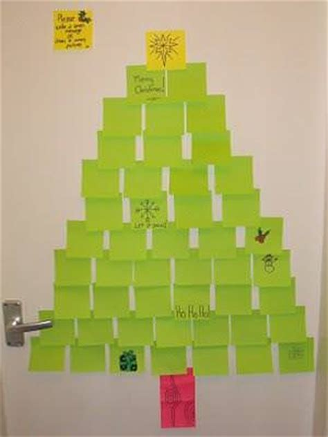 post it christmas tree post it note tree tip junkie