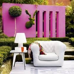 Colourful outdoor wall garden nice wall decor ideas 470x470 in 76kb