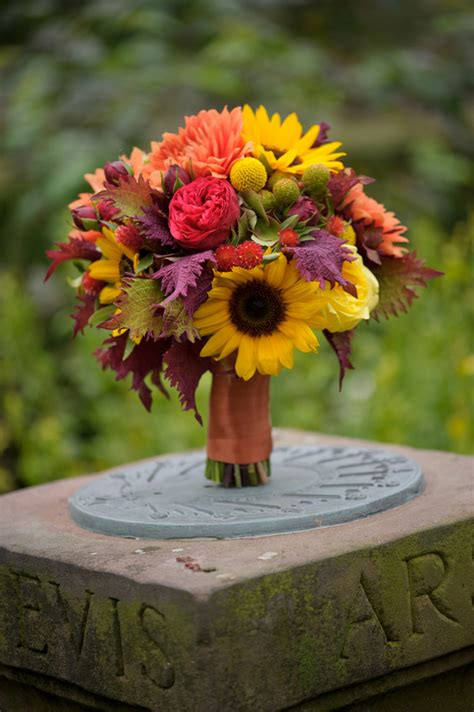 fall flowers for weddings fall outdoor wedding rustic elegance diy details