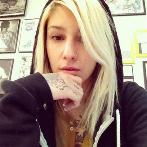 meet kim graziano tattoo artist jillian many of becoming artists