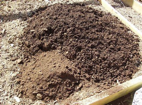 Amending Soil For Vegetable Garden Amending Your Raised Bed Vegetable Garden Soil Yearly