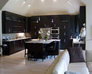 delightful Kitchens With Wood Floors #2: c75952ea02b0eaaacb390e77f5772958.jpg