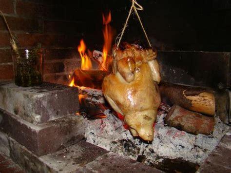 cuisiner une poularde poulet r 244 ti 224 l ancienne chemin 233 e la cachina