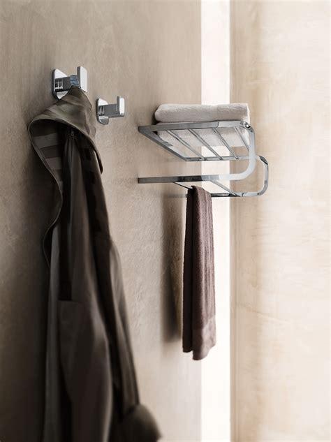 porta accappatoio da doccia porta accappatoio porta asciugamani collezione plus by