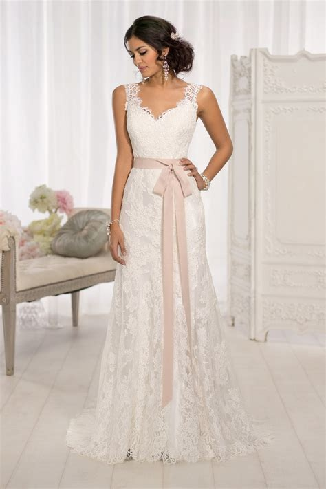 top 10 wedding blogs the 25 most popular wedding gowns of 2014 bridalguide
