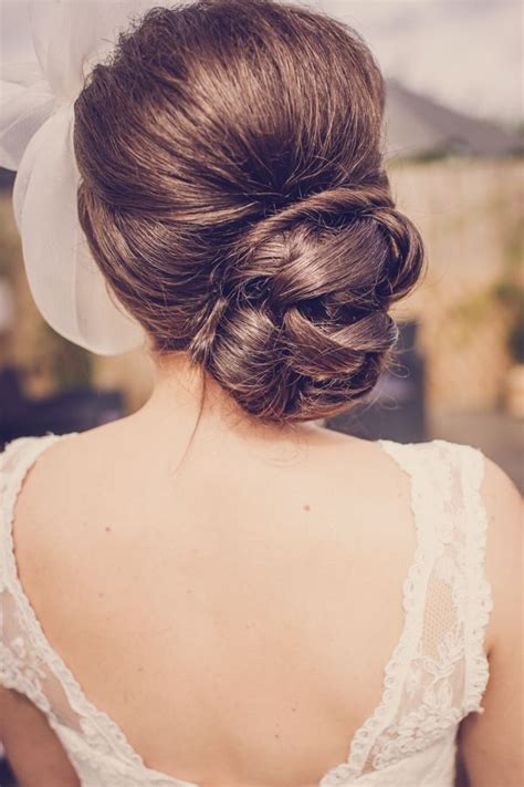 how to do quirky hairstyles a quirky 1950s feel pub wedding bun hair