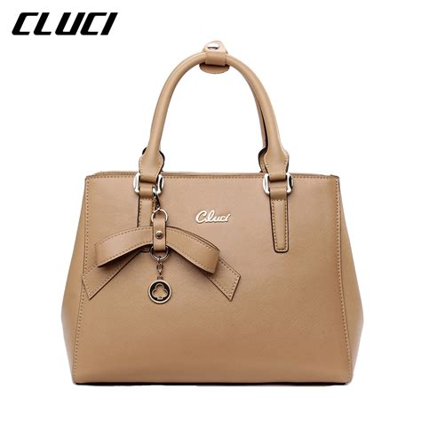 7 Casual Totes For The by Cluci Casual Tote Handbags Branded Zipper Leather