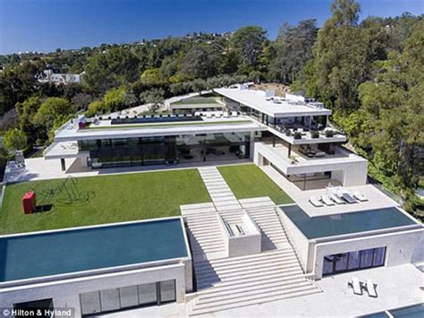 jay z and beyonce house beyonce and jay z land 88m la home thanks to 52m loan daily mail online