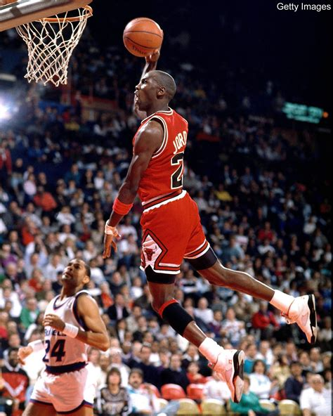 imagenes de michael jordan jugando basketball michael jordan dunk wallpapers wallpaper cave