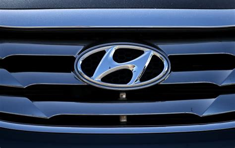 what does the word hyundai does hyundai the world s happiest car logo ny