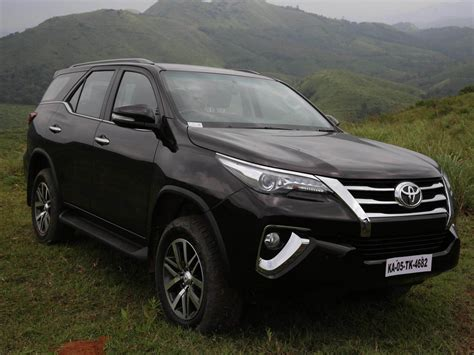 Fortuner For toyota fortuner wallpapers free