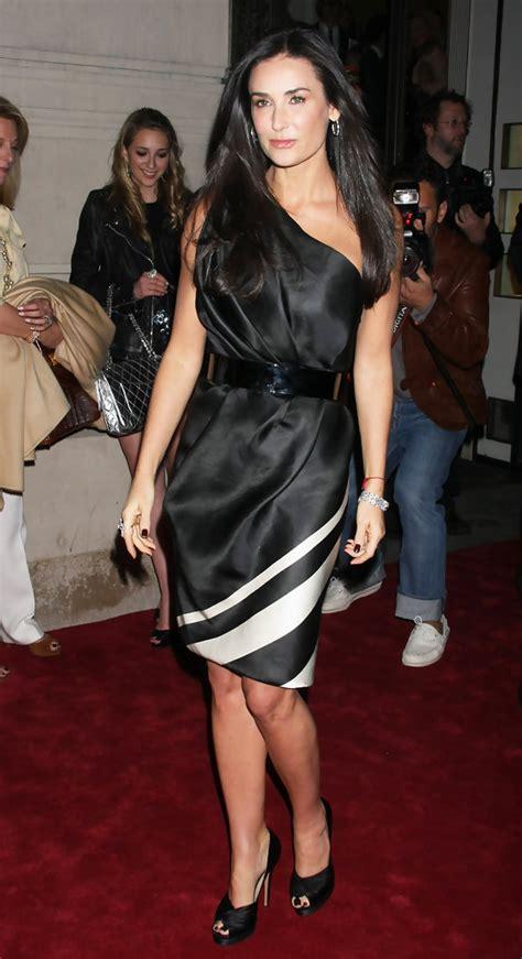 Moor Dress 2 By Traya demi one shoulder dress demi looks stylebistro