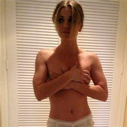 leaked kaley cuoco cell phone pics