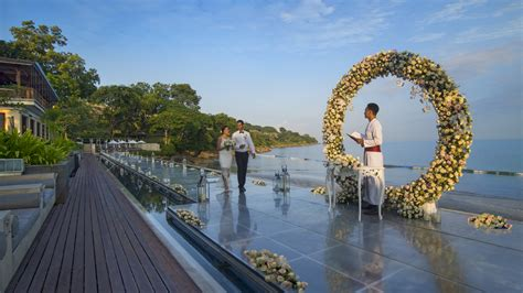 Wedding Aisle On Water by Couples Can Now Walk The Floating Wedding